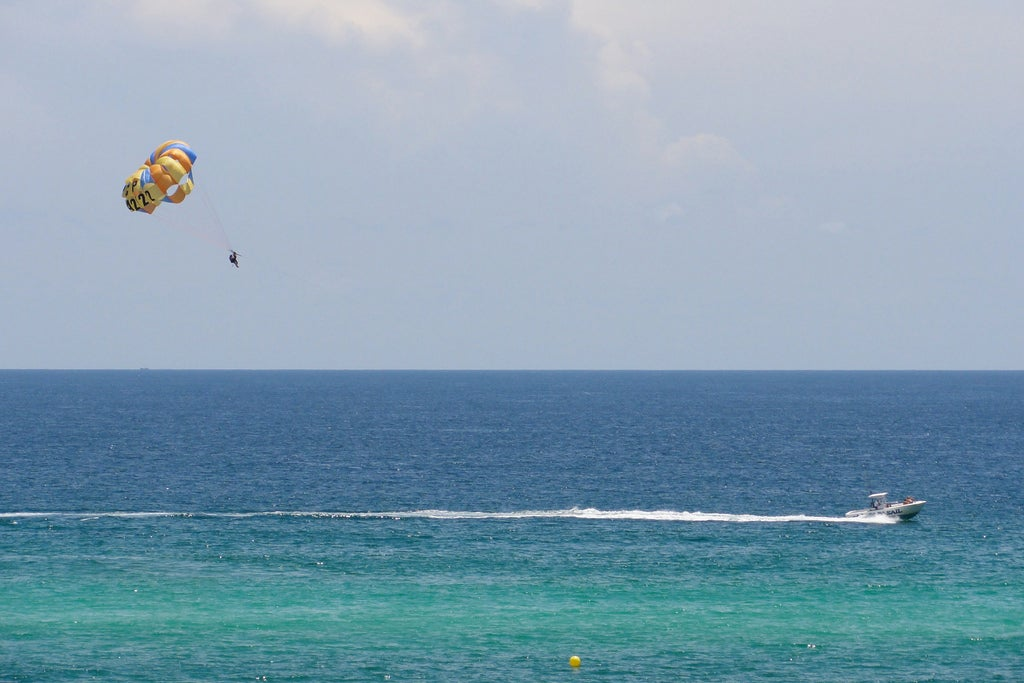 Where to go parasailing