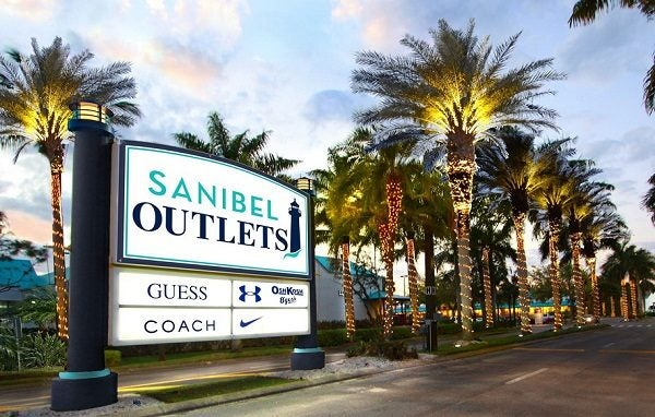 Sanibel Outlets is offering several promotions over the Labor Day 2017 weekend.