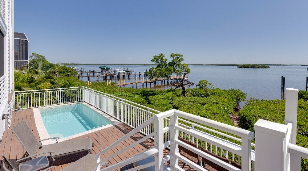 Privacy and bayfront views