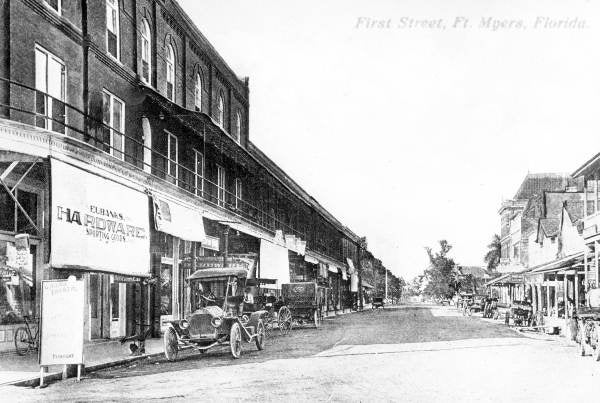 First Street before it was paved - Fort Myers, Florida. ca 1910. Black & white photograph, 8 x 10 in. State Archives of Florida, Florida Memory