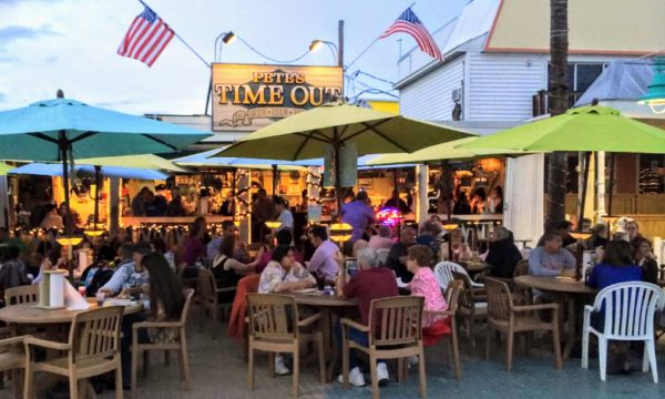 Enjoy Thanksgiving dining al fresco at Pete's Time Out.